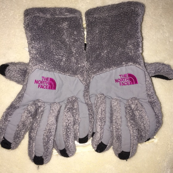 1623d71f7 Womens North Face winter gloves. Gray and pink